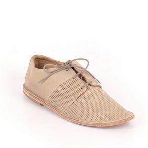 Vince. Tan Leather Lace Up Oxfords Flats 5M E15